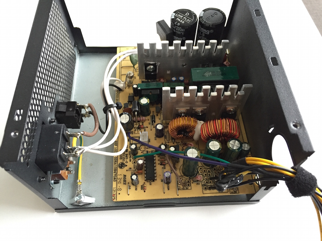 How to connect a computer power supply